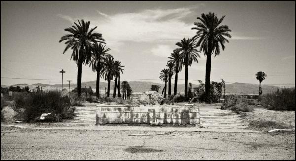 Casino, North Shore, California © Stéphane Louis, 2008