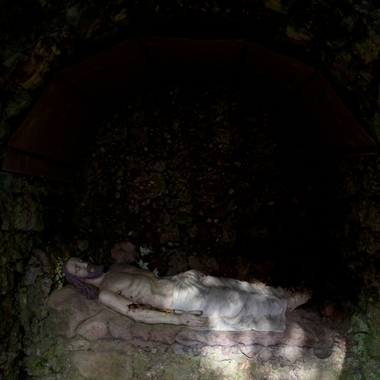 Christ gisant © Stéphane Louis, 2012
