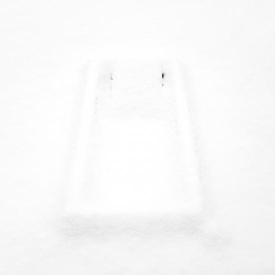 Tombe d'enfant © Stéphane Louis, 2013